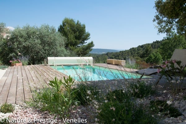 Nature et Prestige, constructeur de piscine et paysagiste sur la région Aixoise et le Sud Luberon, réalise votre piscine béton et aménage les abords