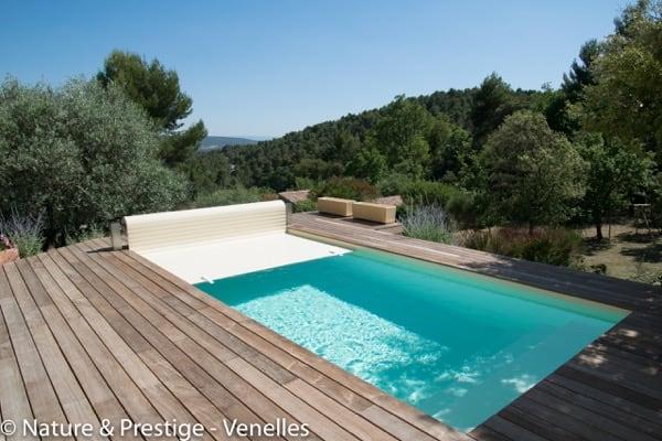 Nature et Prestige, constructeur de piscine et paysagiste sur Aix en Provence et Pertuis, réalise votre piscine béton et l'intègre dans votre jardin